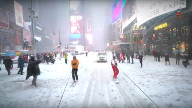 new-york-city-snowboarding-blizzard
