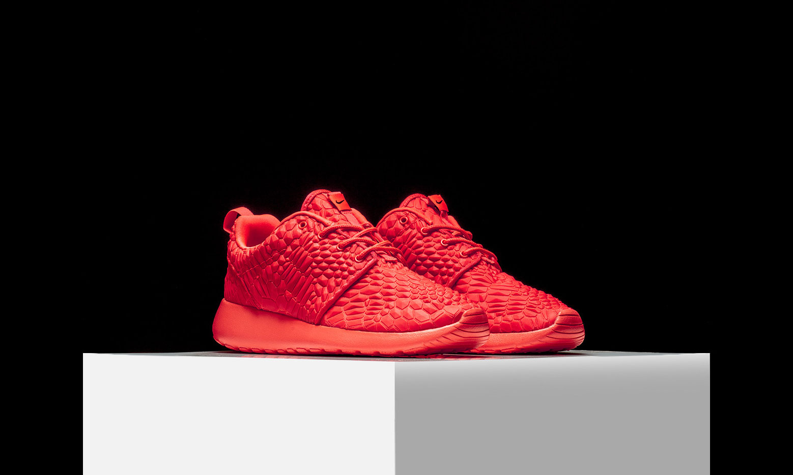 nike-roshe-one-dmb-bright-crimson-1