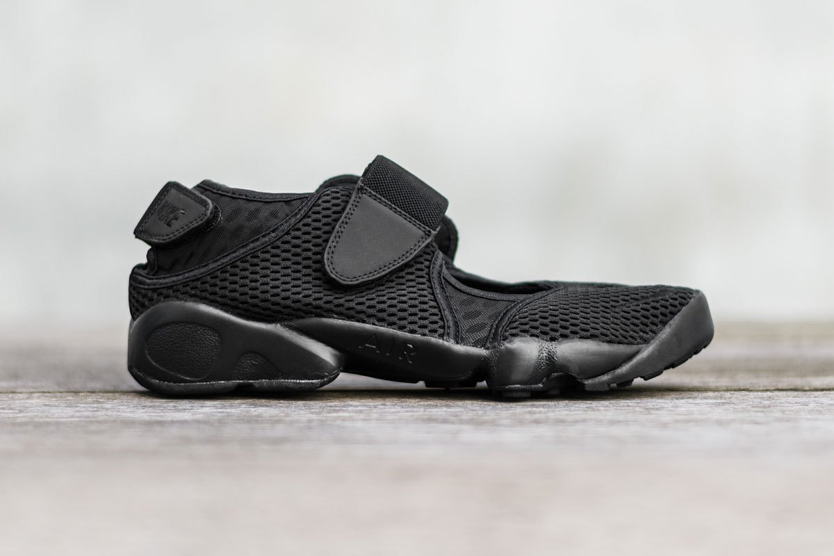 nike-air-rift-breathe-black-1