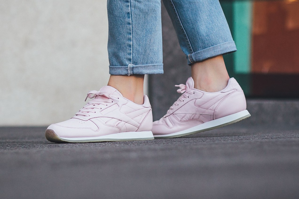 reebok-classic-leather-crepe-neutral-porcelain-pink-1
