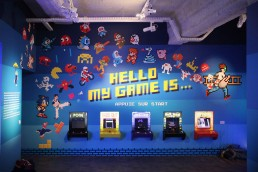 Invader Hello my game is Ausstellung