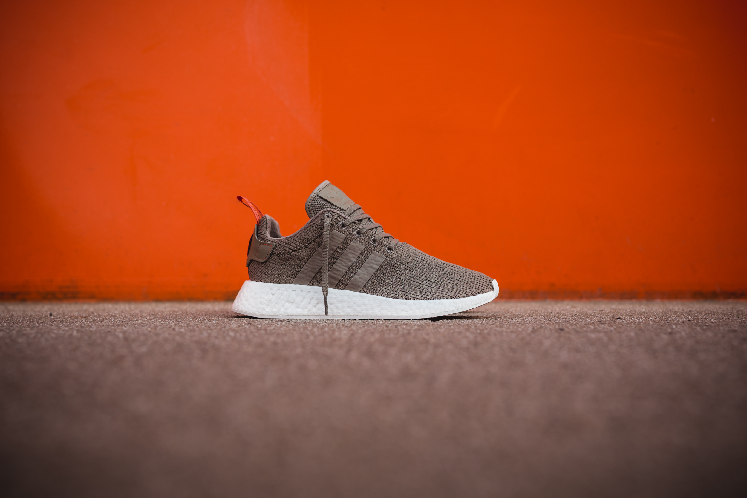 more photos 20fbc a1967 SNIPES bringt exklusiven adidas NMD R2 Colorway | HYPES ARE ...