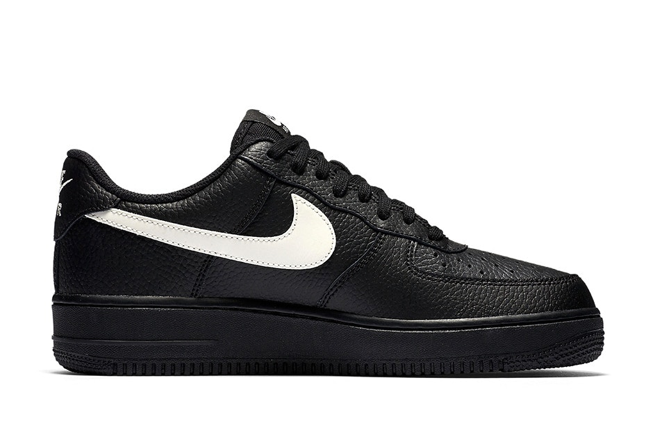 nike air force 1 low black leather (1)