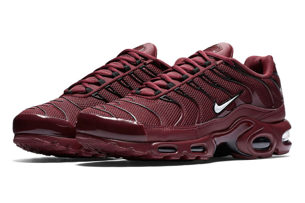 Nike Air Max plus team red