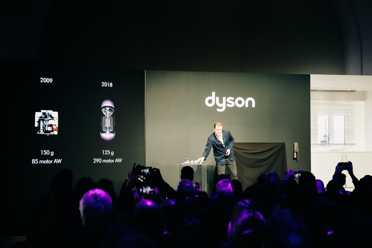 Dyson Cyclone V10 Paris