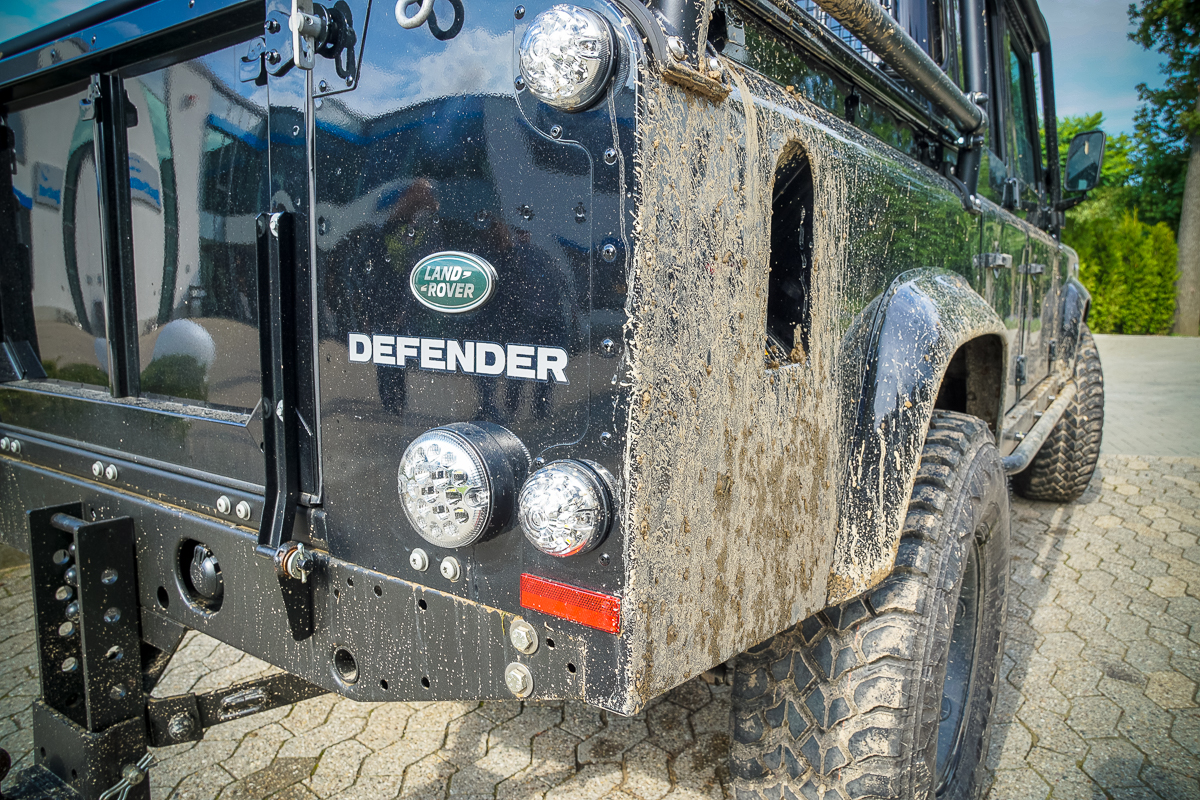 Land Rover Parade HYPES ARE US Defender