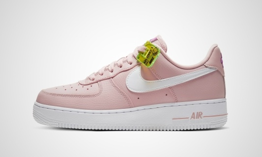 WMNS Air Force 1 '07 SE (pink / weiß)